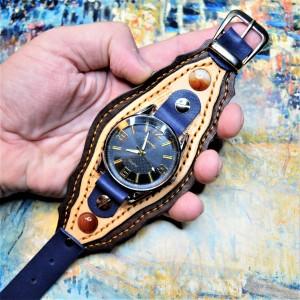Часовой браслет ( углицкий обрУчъ ) кожаный с сердоликом